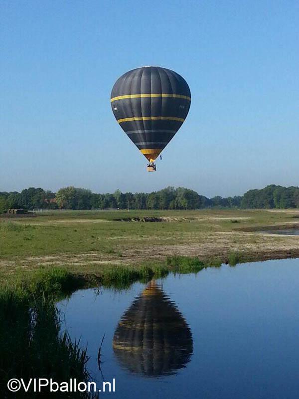 Zwarte piet in de luchtballon opnames voor TV Schijndel