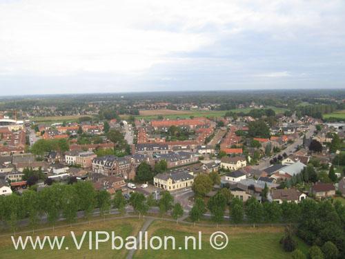 Prachtig panorama van Mill net na het opstijgen met de ballon.