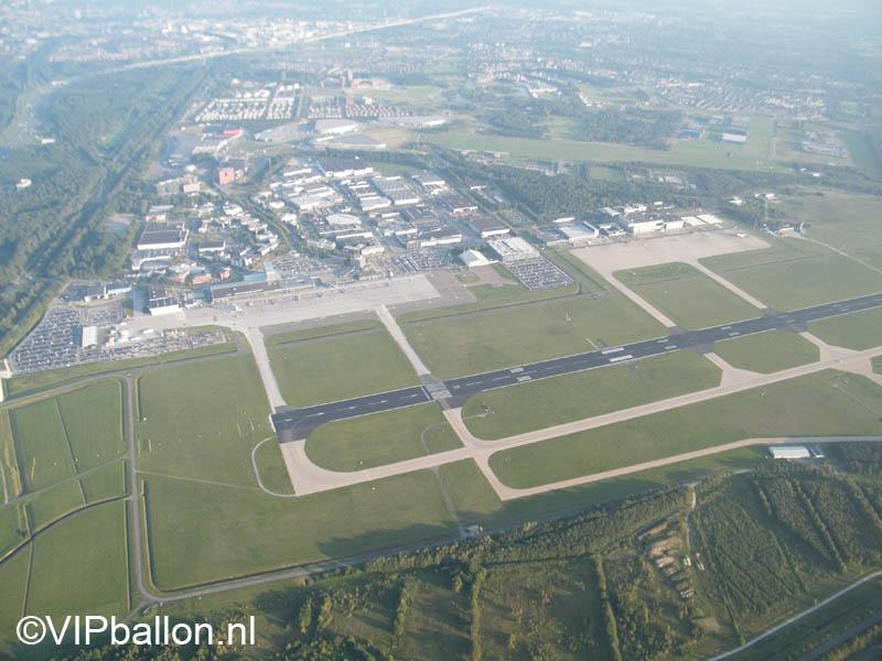 Eindhoven Airport vanuit de ballonmand