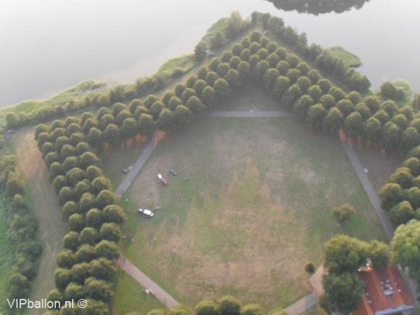 Ballonvaren van Den Bosch naar Maren-Kessel huwelijksaanzoek in de ballon