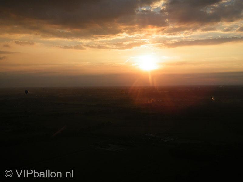 zonsondergang vanuit de ballon