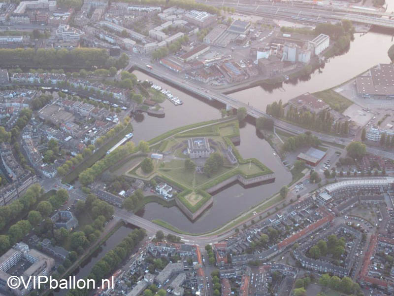 Luchtfoto de Citadel in Den Bosch